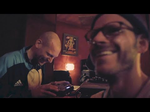 Nowakkowitsch & Pete Jott feat. Benny Barmann - Mutterschiff